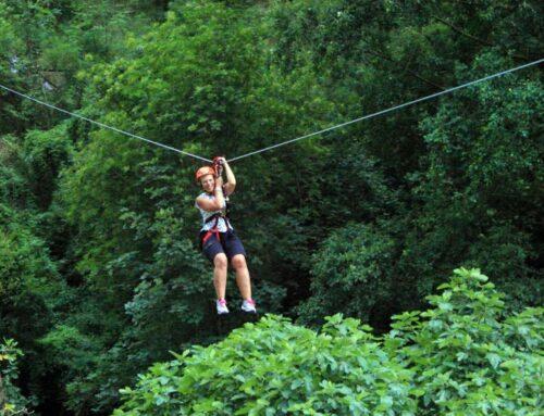 Vola con la zip-line nelle Grotte di Equi